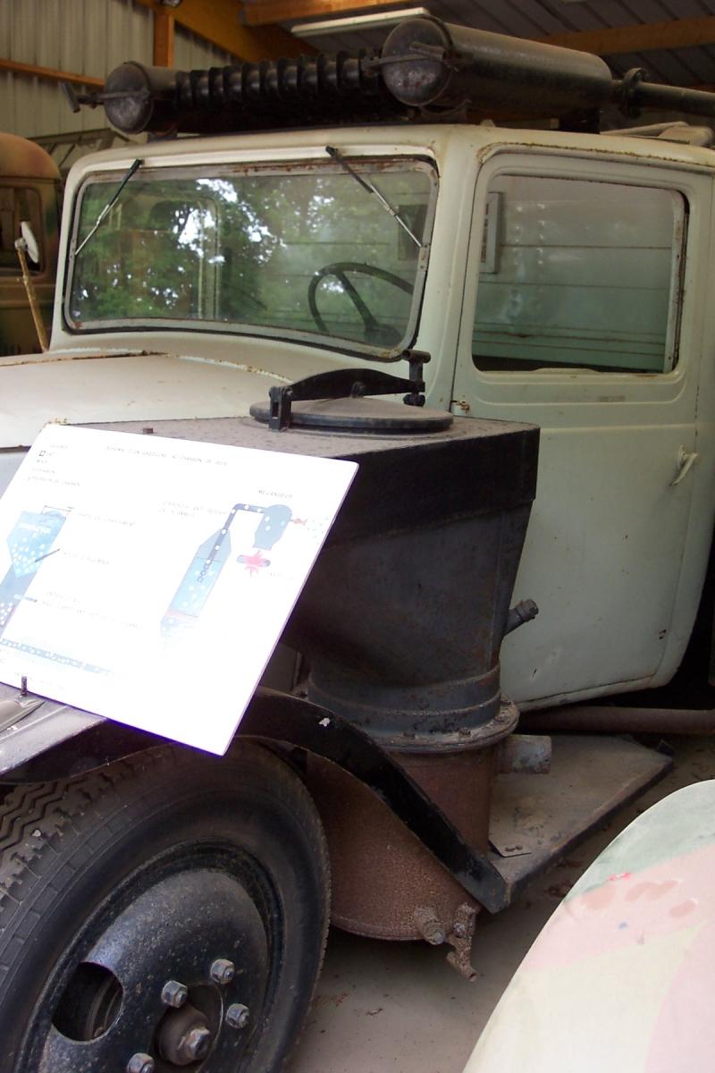 ... camion Citroen gazogene expose au musee de la Resistance Bretonne